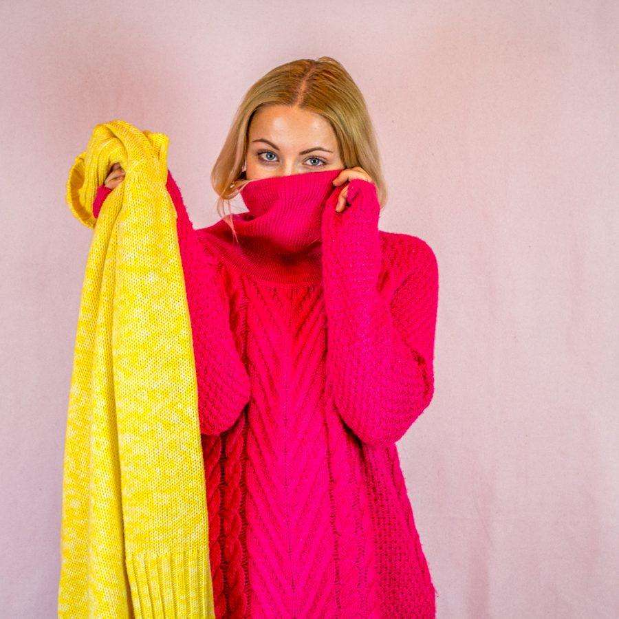 f2e93979c5bd Oversize trend je totiž v kurze a čo je v zime lepšie než teplučký veľký  sveter