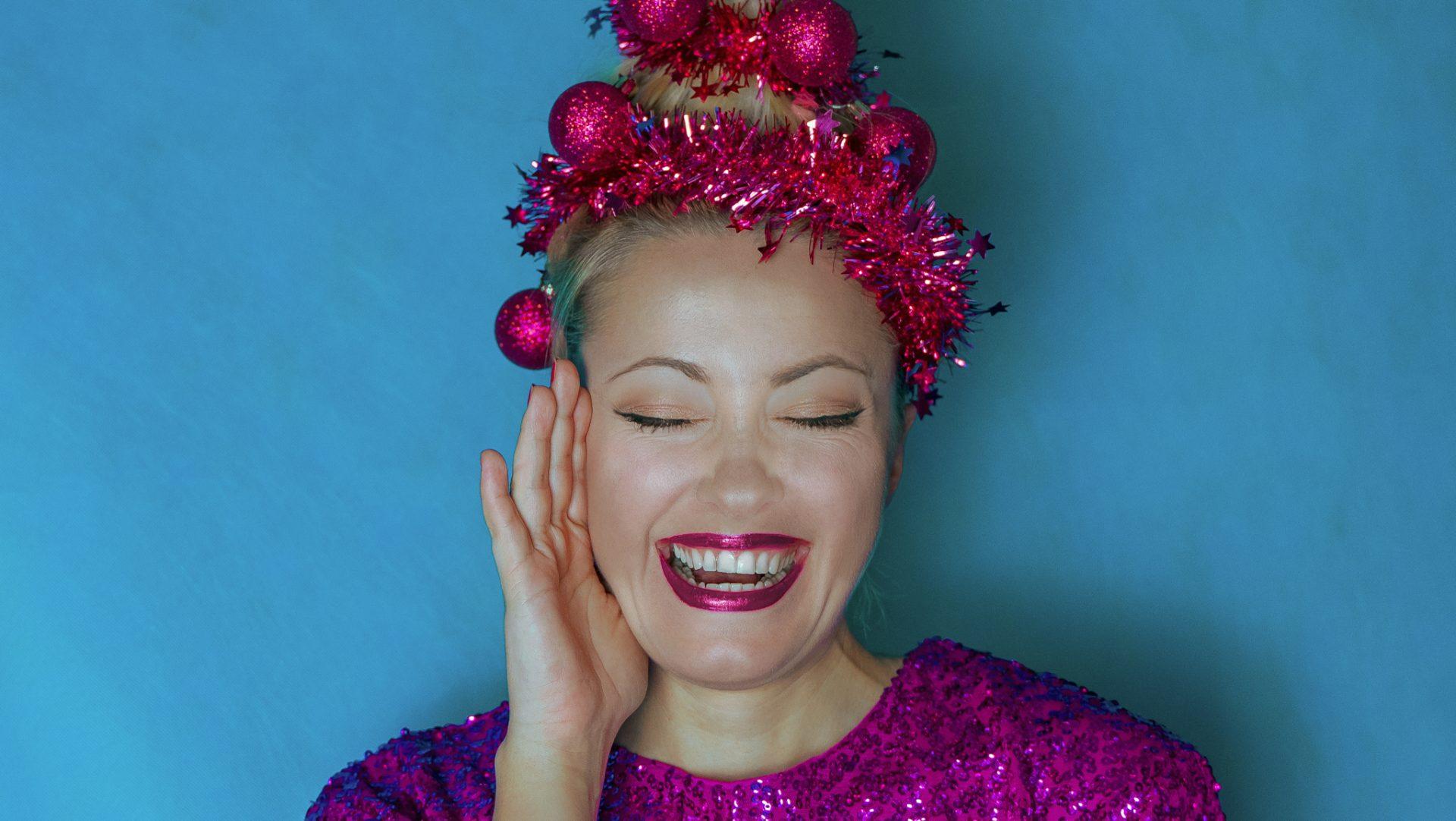 vianocny make up a vlasy douglas