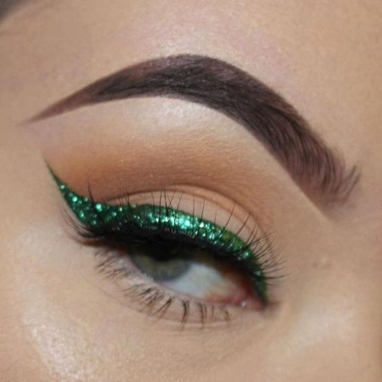 zelena ocna linka vianocny make up