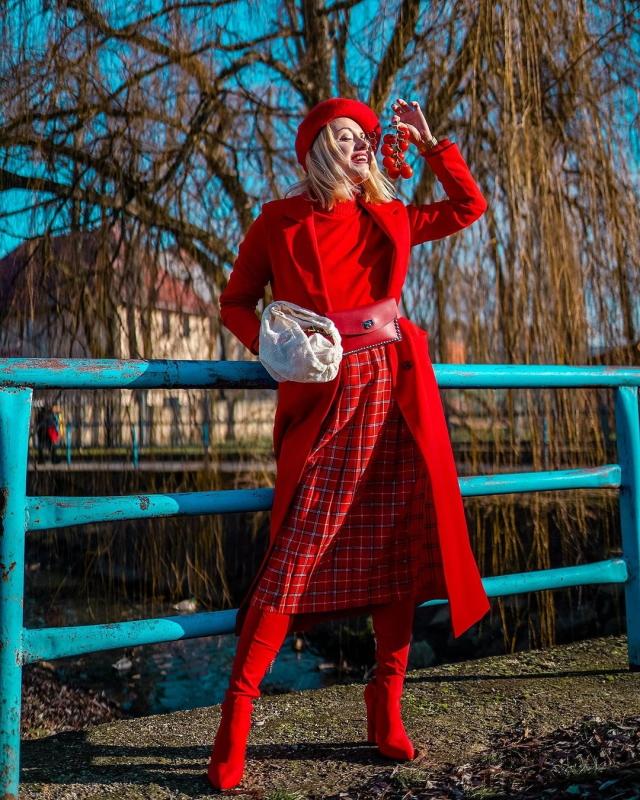 ako nosit cervene oblecenie cervena farba moda zima